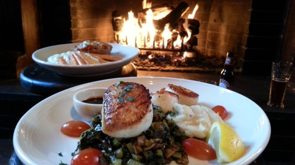 A very pleasant surprise in CT - scallops by the fireside!  Adam literally gagged at the smell of them.  He's a work in progress. :)
