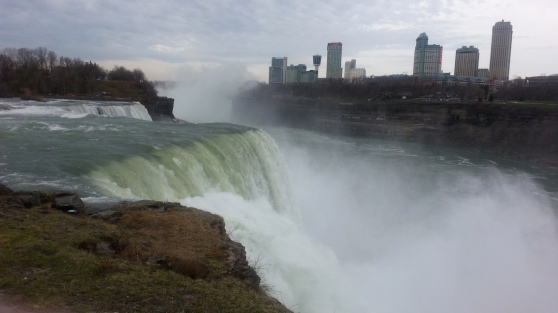 We had only a couple minutes for a quick look at the NY side of Niagara... unfortunately the foot bridge to Goat Island (best view) was closed. :(  Better luck next time!